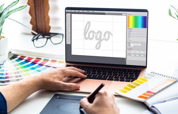 Crucial Features to Look for in a Great Roofing Company Logo Design